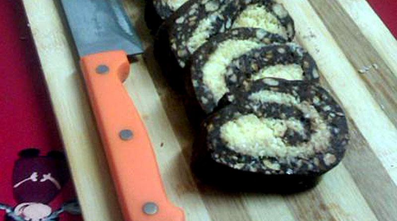 Rulada de biscuiti cu cacao