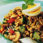 Salata cu porumb si grau integral